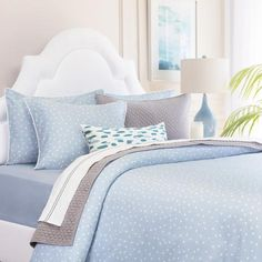 Shop coral scalloped bedding from Crane & Canopy. The Clementina Coral, complete with a fleur-de-lis pattern, brings chic, coastal style to any space. Blue Duvet, Blue Bedding, Blue Bedroom, Bedroom Decor, Gold Bedding, Bedroom Ideas, Cozy Bedroom, Striped Bedding, White Duvet