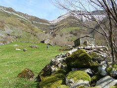 Place: Valle del Pas, Vega de Pas / Cantabria, Spain. Photo by: Izargi Zelaia (flickr)