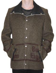 NEW ARRIVALS # km/a vienna upcycling Armee Deckenjacken für Gents, jetzt kann es kalt werden.... alles Made in Vienna. Mantel, Tops, Sweaters, Fashion, Beret, Army, Fall Winter, Jackets, Cold