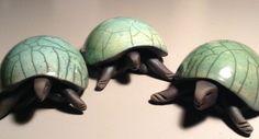French Tortoise Raku by Florence Mahieu - céramique Pottery Animals, Ceramic Animals, Clay Animals, Ceramic Art, Animal Sculptures, Sculpture Art, Ceramic Turtle, Kids Clay, Raku Pottery