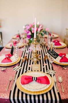 Kate Spade Table Decoration for your Quince | Quinceanera Ideas | http://www.quinceanera.com/decoration-and-themes-for-quince/?utm_source=pinterest&utm_medium=social&utm_campaign=category-decoration-and-themes-for-quince