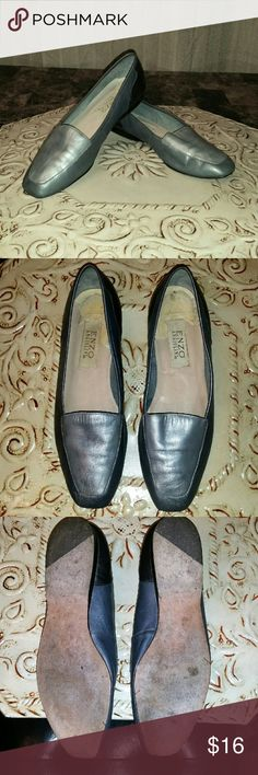 "🎀 Clearance 🎀 Enzo Angiolini Pretty two tones silver leather flats by Enzo Angiolini.  Shoes measure 9 13/16"" which is equivalent to an 8. These shoes are narrow. 1"" Heel.  In good condition. Newly polished. Enzo Angiolini Shoes Flats & Loafers"