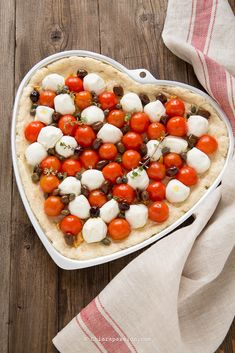 Focaccia veloce pomodorini e mozzarella | Chiarapassion