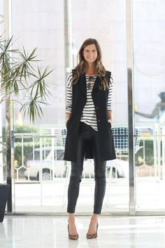 Explore the versatility of blazers with our list of 30 chic blazer outfits! From casual & sporty to elegant & haute couture, you'll find your fave blazer outfit Black Vest Outfit, Leather Pants Outfit, Leather Leggings, Striped Blazer Outfit, All Black Outfit For Work, Vest Outfits For Women, Casual Outfits, Clothes For Women, Dressy Casual Outfits