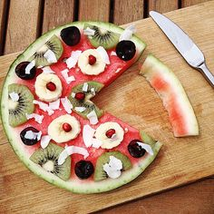 Day 156 -  A dollar slice breakfast for me this morning ! ! ! The summer has officially begun : watermelon time !!  #healthy #watermelon #pizza #fresh #fruits #after #workout #refuel #banana #kiwi #coconut #chips #pomegranate #black #cherry #yummy #summer #time #6K #running #nike #DollarSlice #priceless