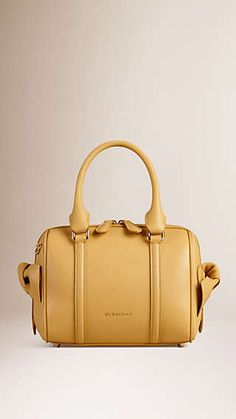 The Small Alchester in Leather with Knot Detail Marques De Luxe, Sac, Soldes  De. Burberry United States 9332354835b6
