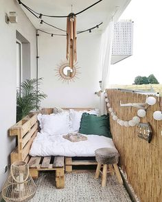 24 Ways to Make the Most of Your Small Apartment Balcony. 24 Ways to Make the Most of Your Small Apartment Balcony. 20 Wonderful Small Apartment Balcony Decorating Ideas On A Budget - Awesome Indoor & Outdoor Designing an apartment balcony design doesnt h Tiny Balcony, Small Balcony Decor, Balcony Decoration, Balcony Ideas, Terrace Ideas, Small Balconies, Outdoor Balcony, Hammock Balcony, Small Balcony Furniture