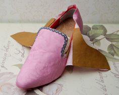 Converting modern shoes to fairly ok 18th C shoes