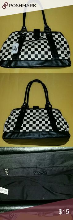 Vans off the wall purse Awesome purse, magnet closure very large inside, like new. Vans Bags Shoulder Bags