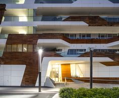 Gallery of Citylife Apartments / Zaha Hadid Architects - 2