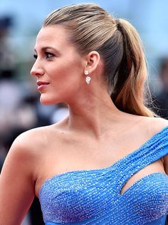 Blake Lively has had some of the most gorgeous hair and makeup moments from Cannes 2016 - click to see all of her looks!