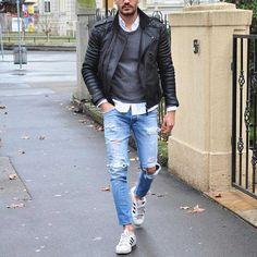 Follow @mensfashionposting for classy men's fashion inspiration!