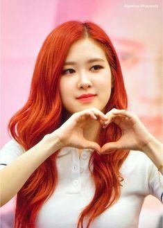 Kim Jennie, South Korean Girls, Korean Girl Groups, K Pop, Instagram Roses, Blackpink Debut, Rose Bonbon, Cute Rose, Rose Park