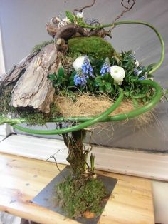 Voorjaar workshops voorgaande jaren Hotel Flower Arrangements, Contemporary Flower Arrangements, Hotel Flowers, Memorial Flowers, Arte Floral, Nature Crafts, Ikebana, Silk Flowers, Flower Designs