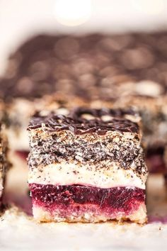 Pyszne ciasto przekładane Biskup - #adane #biskup #ciasto #przek #przekładane #pyszne Polish Desserts, Polish Recipes, No Bake Desserts, Delicious Desserts, Sweet Recipes, Cake Recipes, Dessert Recipes, First Communion Cakes, Icebox Cake