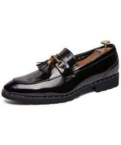Black patent leather tassel buckle slip on dress shoe 01 Leather Slip On Shoes, Leather Tassel, Black Patent Leather, Black Brogues, Leather Brogues, Mens Slip On Loafers, Loafers Men, Smart Casual Footwear, Slip On Dress Shoes