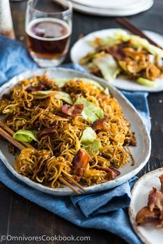 Bacon Pan Fried Noodles | Crispy bacon, hearty noodles soaked in a rich sauce, sweet and tender cabbage, and caramelized onion make this quick one-bowl meal irresistible!