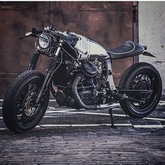 Honda #GL500 #caferacer by @wrench_kings of The Netherlands shot by @basduijsphotography. So sleek and clean!