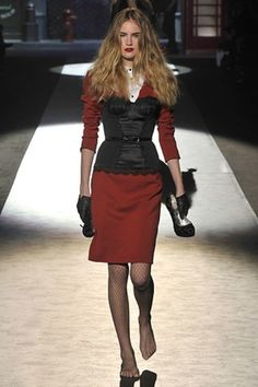 The complete Dsquared2 Fall 2008 Ready-to-Wear fashion show now on Vogue Runway.