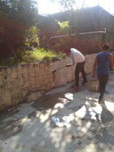 Alumnos del #P01Cuernavaca del #Cobaem_Morelos realizaron actividades de mantenimiento y conservación de áreas. #juventudcultayproductiva