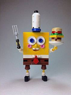 """""""""""Don't worry, Mr. As long as these pants are square, and this sponge is Bob, I will not let you down!"""" """" LEGO builder Block Head created this awesome model of SpongeBob SquarePants wearing his. Legos, Lego Spongebob, Micro Lego, Lego Sculptures, Amazing Lego Creations, Lego Pictures, Lego Activities, Lego Craft, Baby Shower Niño"""