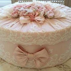 ( commande ) boite shabby chic toute en soie rose poudrée dentelles rose et noeuds