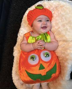 """""""Ya es Halloween? Ah no que ahora toca la Navidad..."""" :D  #bebenube #bebé #mamá #canastilla #bebeabordo #comomola #baby #maternidad #babyboy #babygirl #instamami #instababy #bebes #mamaprimeriza #embarazo #dulceespera #embarazofeliz #mamafeliz"""