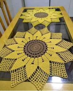 Filet Crochet, Crochet Motif, Crochet Doilies, Crochet Flowers, Crochet Stitches, Crochet Carpet, Crochet Home, Crochet Crafts, Crochet Projects