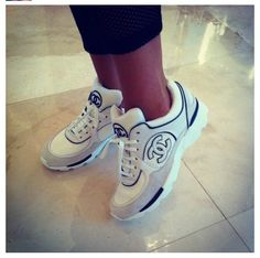 Chanel Sneakers Chaussure Sneakers, Chaussures Femme, Couture, Mode, Coco  Chanel, Chaussures 863726aff19