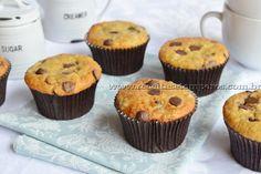Muffin de banana com gotas de chocolate