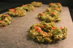 Wreath Surprise Treats (corn flakes, food coloring, pop rocks & a basic rice krispie treat recipe)