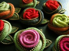 Artist Odile Gova makes jewelry out of recycled wool sweaters and zippers, fabulous!