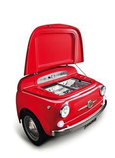 Du design sur le blog avec le SMEG 500 !!! http://sevedeco.com/deco/?p=6820 #smeg #smeg500 #fiat #refrigerateur #frigo #design