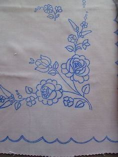 Hungarian Kalocsa Tablecloth Pattern Stamped For Hand Embroidery Flowers Square Embroidery Designs, Hand Embroidery Patterns, Hand Embroidery Flowers, Learn Embroidery, Chain Stitch Embroidery, Embroidery Stitches, Stitch Head, Hungarian Embroidery, Crochet Hook Set