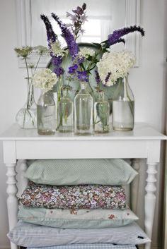VIBEKE DESIGN: flowers - love the pillows too