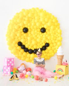 Smiley Face Balloon Backdrop   Oh Happy Day!