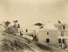 Antonio Cavilla Photographer: Tánger, Tombeaux de Sidi Mohammed ber-Raisoun; au second plan Sidi el-Hosni el-Ouazzani.