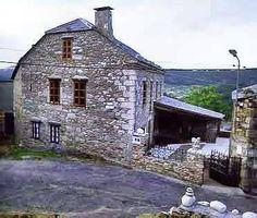 Casa Lamelas Spain, Cottage, House Styles, Places, Home Decor, Vernacular Architecture, Country Cottages, Decoration Home, Room Decor