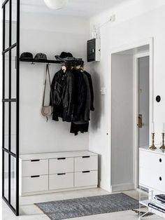 Inspirações para organizar o hall de entrada para amenizar a bagunça na base do faça você mesmo se você conseguir.