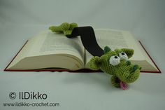 Amigurumi Crochet Pattern - Draco the Dragon Bookmark  This is a crochet pattern and not the bookmark.  Do you want to surprise someone with a gift made all by yourself? But your time is somewhat limited? Then this bookmark is the right choice! The description is very detailed, it has a lot of pictures, easy to follow. In only one or two evenings you will be able to complete your own crochet bookmark...  Finished size: approximately 36 cm long.  Language: English language (American…