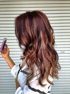 This is pretty close to my hair color and style. Thanks to my hair stylist I& gotten soo many compliments. I may keep this for a bit. A bit of ombre with a few highlight up to my roots. Coiffure Hair, Corte Y Color, Hair Color And Cut, Darker Hair Color Ideas, Great Hair, Awesome Hair, Fall Hair, Summer Hair, Fall Winter Hair Color