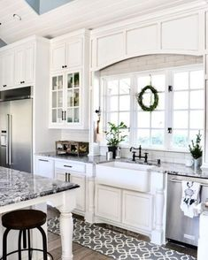 I'm sharing this beautiful kitchen from Jennifer home tonight for a little 😍 Jennifer's home is full of character, she keeps it real, and she'll make you laugh. Go say hello and peruse more of her lovely home tonight! Kitchen Redo, New Kitchen, Kitchen Remodel, Kitchen Design, Kitchen Pantry, Kitchen Ideas, White Sink, Updated Kitchen, Layout