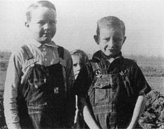 Johnny Cash Childhood Photographs and Home – NSF