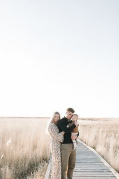 the nelson family — Jessica Haderlie Photography Family Photo Colors, Cute Family Photos, Summer Family Photos, Family Photo Outfits, Outdoor Family Photography, Funny Photography, Wedding Photography Poses, Photography Ideas, How To Pose