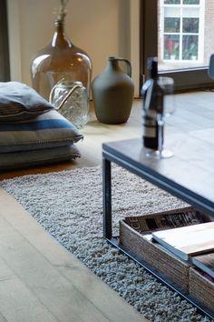 mooie vloeren in stadsvilla te Breda Animal Print Rug, Living Room, Rugs, Bungalow, Home Decor, Farmhouse Rugs, Decoration Home, Room Decor, Home Living Room