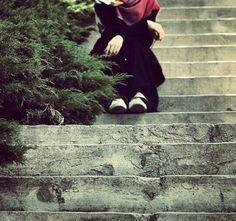 Girl with hijab , really awesome. Alone Photography, Couple Photography Poses, Photography Women, Hijab Niqab, Hijab Chic, Stylish Hijab, Muslim Hijab, Hijabi Girl, Girl Hijab