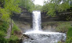 A Guide to Minneapolis' Minnehaha Park and Falls