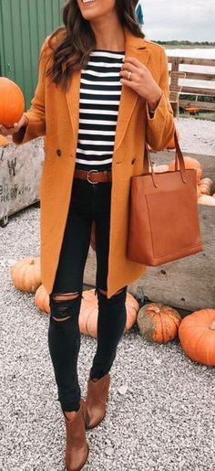 Yes Please! I am so ready to Pumpkin Pick in an outfit like this. #fall #fashion #pumpkinseason #styledailly #womensfashion #ootd #rippedjeans