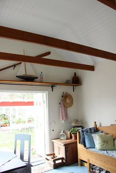 Pikkutalon elämää: Olohuoneessa Loft, Bed, Furniture, Home Decor, Decoration Home, Stream Bed, Room Decor, Lofts, Home Furnishings