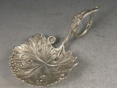 Victorian Vine Leaf & Grapes Caddy Spoon, GEORGE UNITE, BIRMINGHAM 1847